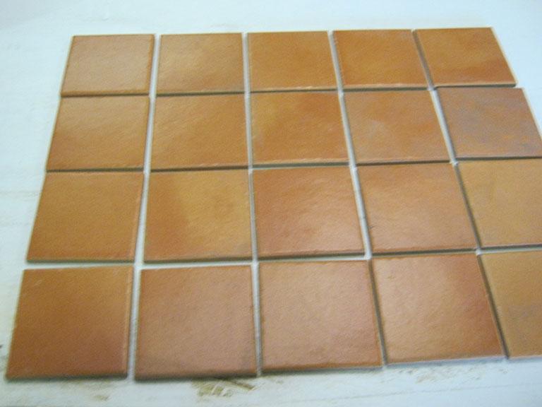 0002 Brunlig Gulv og væg - 10x10cm 30m2 - Kr.75,-/m²