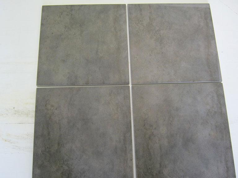 0022-Ceramica Magica Lys brun meleret Gulvfliser - 31x31cm 5 m² - Mørk grå