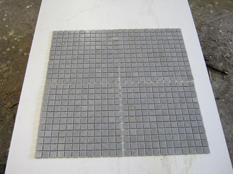0029 Glasmosaik Mellmemgrå meleret 170 m²