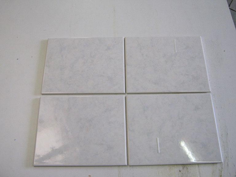 """0035- """"Spinex"""" Blank hvid meleret Vægflise - 20x25cm 15 m² - Kr.75/m²"""