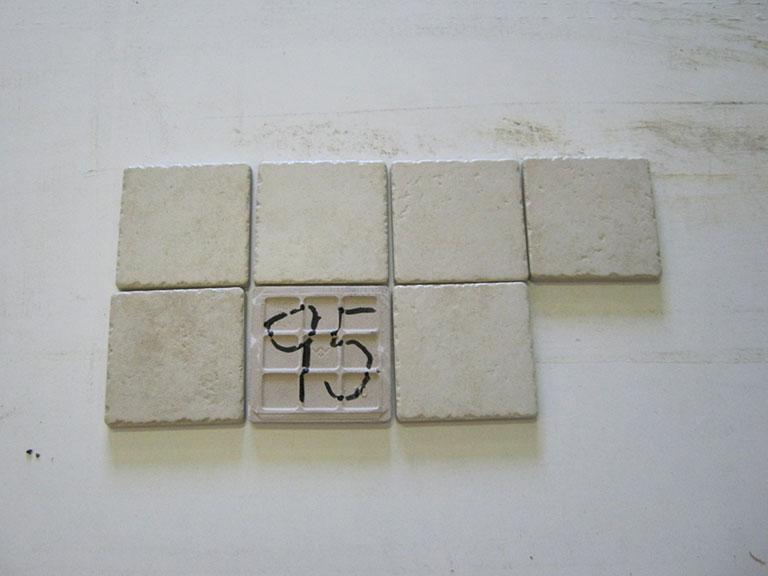 0095 Lys meleret (slåede kanter) Gulv/vægflise - 10x10cm 7 m² - Kr.500 i alt