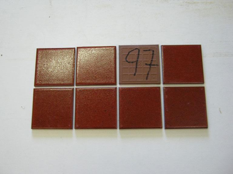 0097-Manoceram Rød halvblank Gulv/vægflise - 10x10cm 17 m² - Kr.50/m²