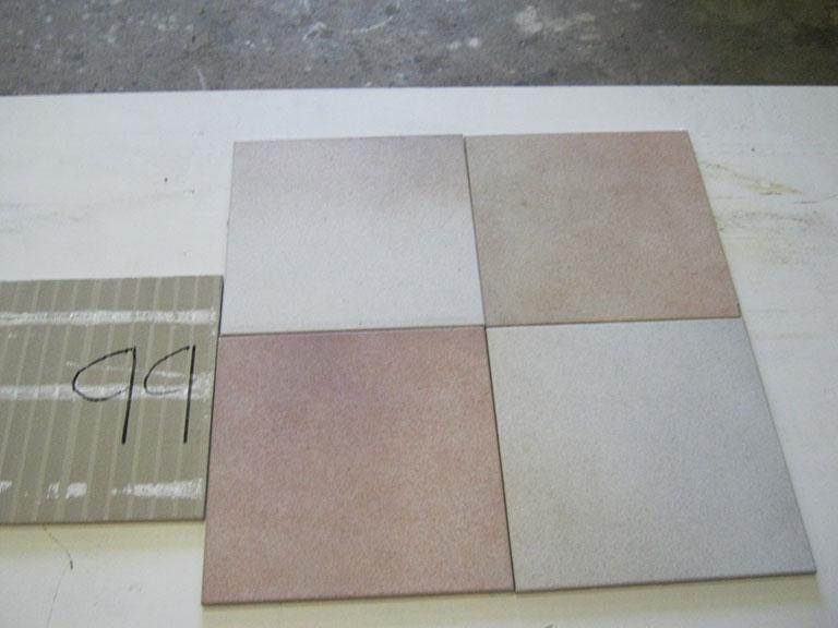 0099-Osmose Lys hvid til rose nuancere Gulv-flise - 30x30cm 11 m² - i alt Kr.899
