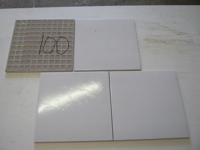 0100-Villeroy og Boch Blank hvid med mønster Vægflise - 30x30cm 15 m² - Kr.100 i alt