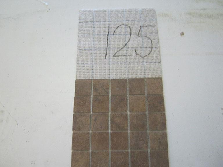 0125 Brunlig Gulv Mosaik - 30x30cm (5,6x5,6) 8 m² - Kr.600 i alt