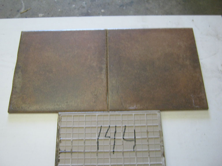 0144-Tagina Mørk brun meleret Kraftig gulvflise - 35x35cm 14,5 m²- Kr.100/m²